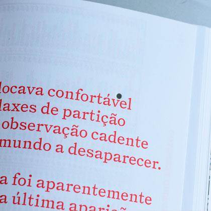 Impressão offset premium do livro Von Calhau. Acabamento especial: furação 01