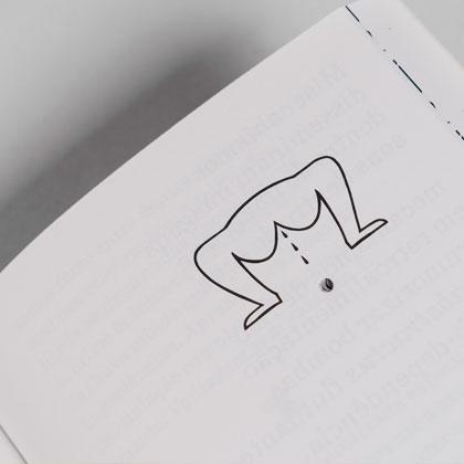 Impressão offset premium do livro Von Calhau. Acabamento especial: furação 03