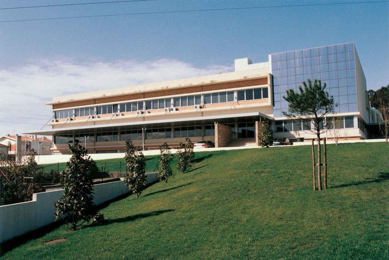 Instalações da sede da Maiadouro, vista lateral, na cidade do Porto