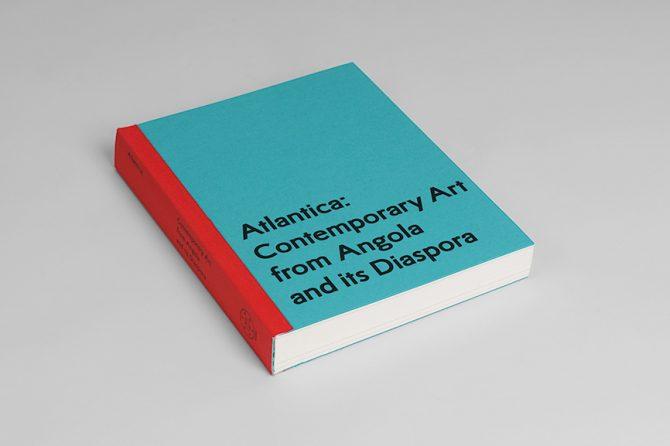 """Impressão offset premium do livro """"Atlântica"""". Acabamento especial: lombada com tela 02"""