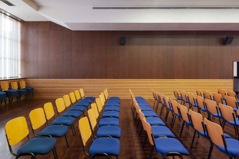 Auditório nas instalações da sede da Maiadouro na cidade do Porto