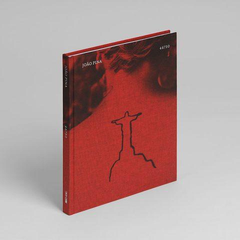 """Impressão offset premium do livro  de """"João Pina"""". Acabamento especial."""