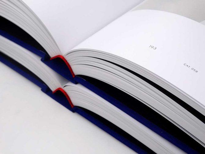 """Impressão offset premium do livro """"Mapplethorpe"""". Acabamento especial: Serigrafia 01"""