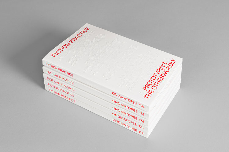 """Impressão offset premium do livro """"Fiction Practice"""". Acabamento especial: alto-relevo 03"""