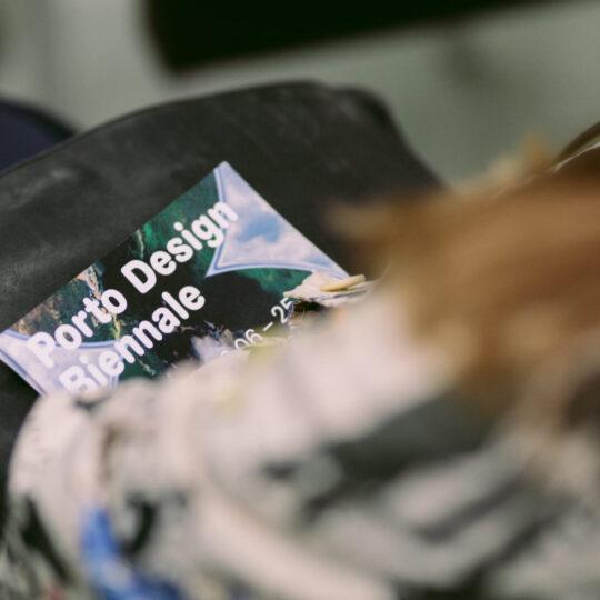 Impressão offset premium brochura Alter-Realidades da Porto desgn biennale 02