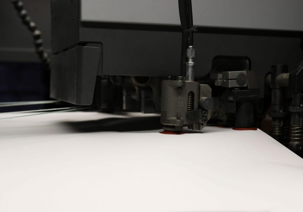 Máquina de dobrar nas instalações da sede da Maiadouro na cidade do Porto 02