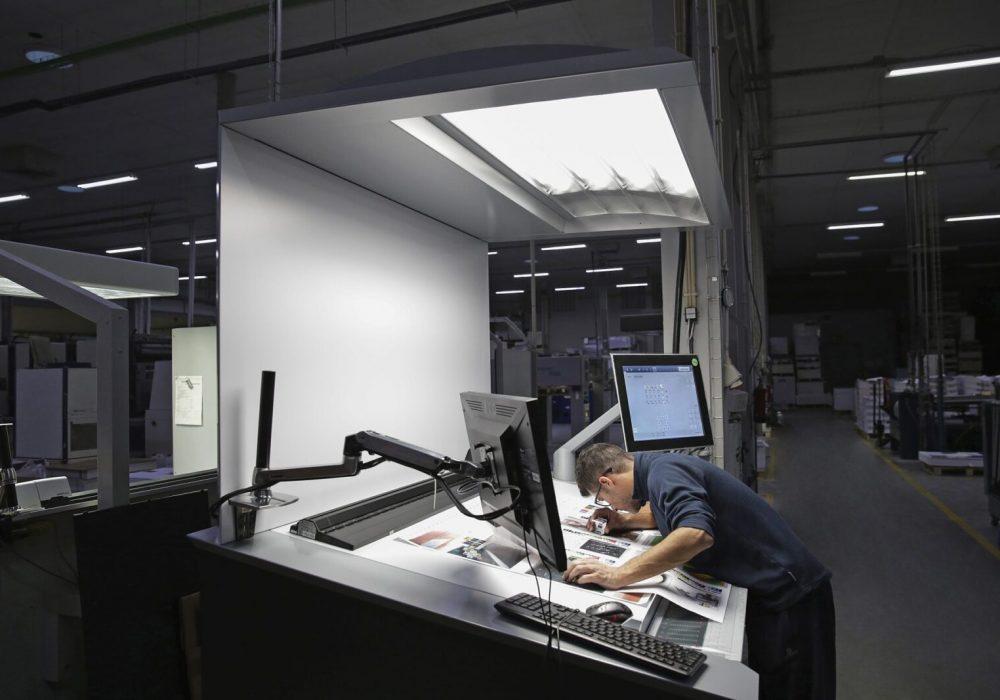 Impressão sustentável de manuais de instrução, suportes técnicos, embalagens para o setor industrial